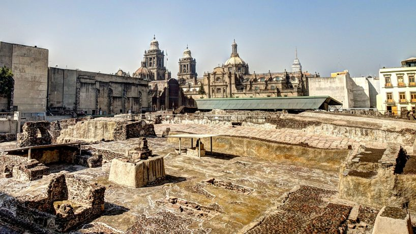 Discovering the Aztec ruins Ruins of Tenochtitlán