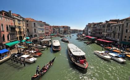 How to get around Venice